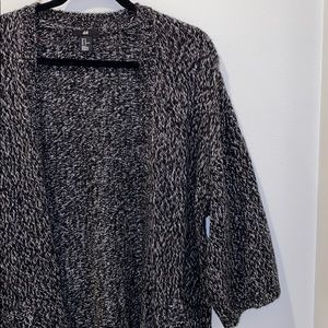 Oversized knit cardigan with from pockets